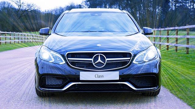 předek Mercedesu