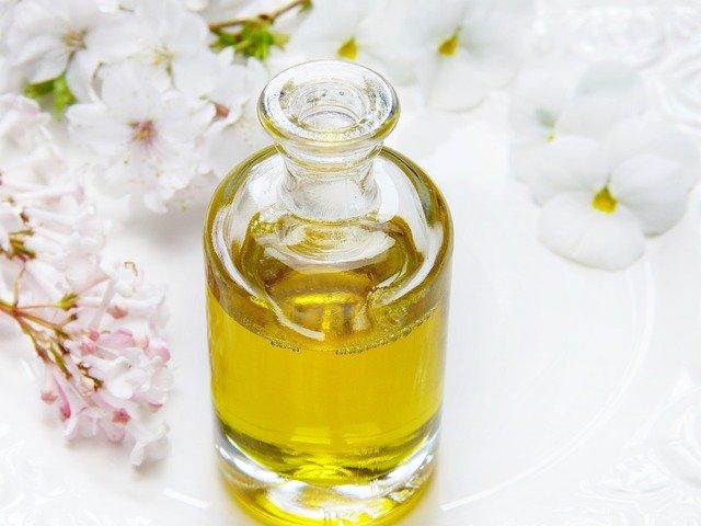 lahvička masážního oleje